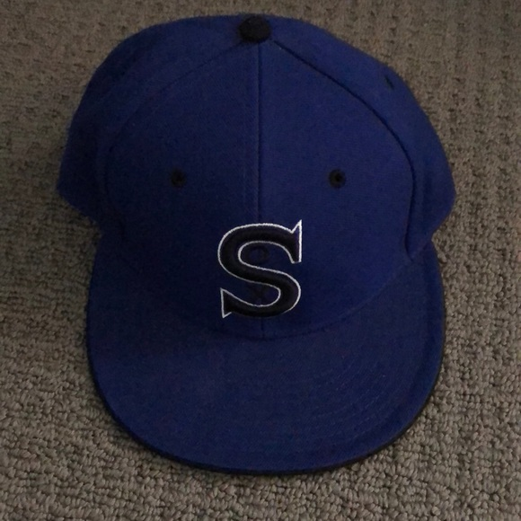 727e80e33 1917 White Sox fitted hat 7 1/8 Cooperstown. NWT.  M_5b3a8cb5df03078f3cf72116. M_5b3a8cc004e33d13f25dfc45.  M_5b3a8cc9194dad2a3ef8ee5e